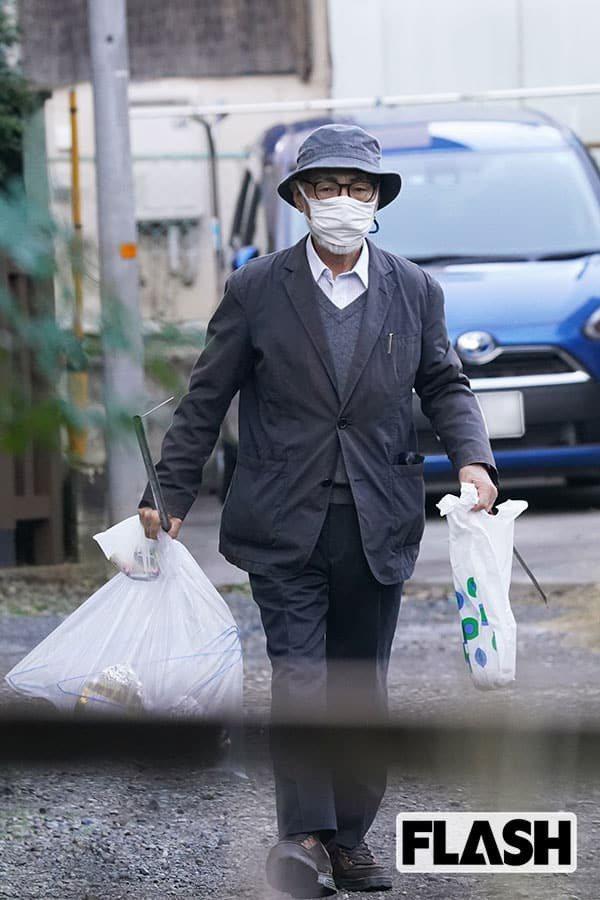 宮崎駿倒垃圾被問「鬼滅之刃」的票房。圖/擷自週刊FLASH