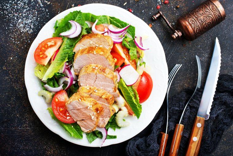 除了雞胸肉、蝦子等優良的動物性蛋白質以外,其實許多植物中也含有很豐富的蛋白質,像...