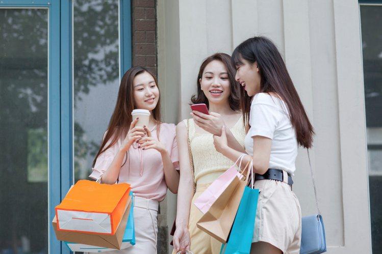 台灣之星「雙11一日限定資費」同步開放歷年雙11老客戶續約,續約成功可享加購第二...