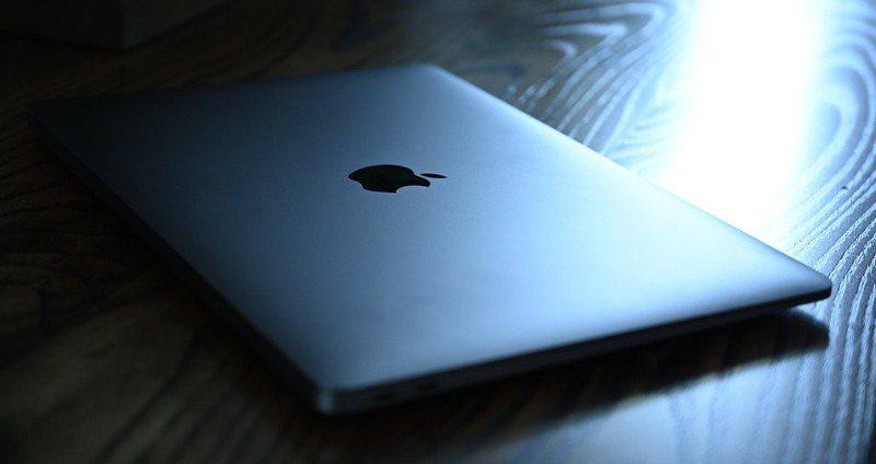 市場普遍預期,蘋果將發表首款搭載自家中央處理器「Apple Silicon」的Mac系列筆電。網路圖片