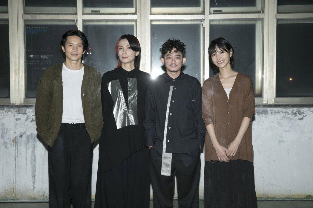 Tizzy Bac請來姚淳耀(左一)及吳子霏(右一)跨刀演出MV。圖/相信音樂提
