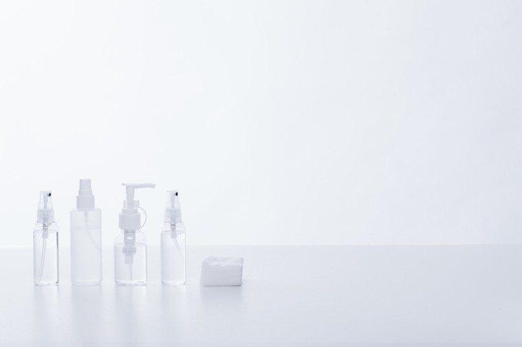 什麼樣的化妝水適合濕敷?圖/摘自pakutaso