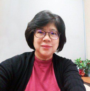 遠雄人壽風控長儲蓉從事風控領域近30年,她把實務經驗濃縮為16字對聯,作為部訓提...