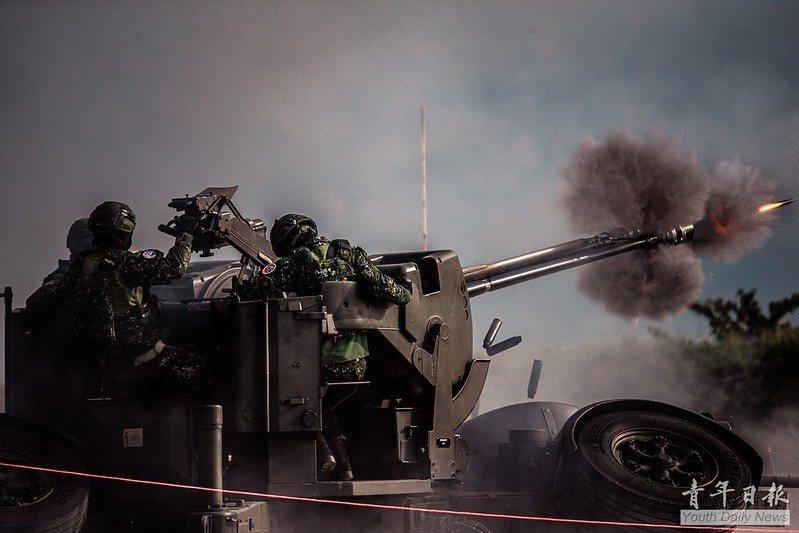 在現代化戰爭裡,「專(職)業現役軍人」才是作戰的主角。 圖/青年日報