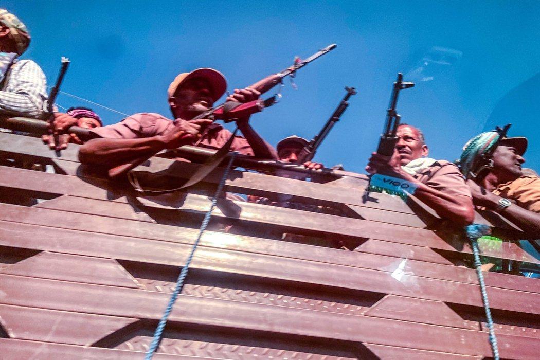 根據《法新社》與卡達《半島電視台》的比對說法,阿比派出的中央大軍,從提格雷州的西...