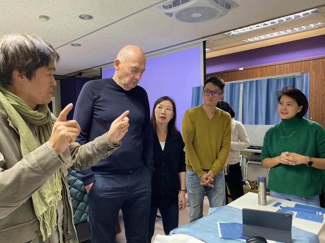劉真容(右)視Rem Koolhaas為偶像,圖/衍序規劃設計提供