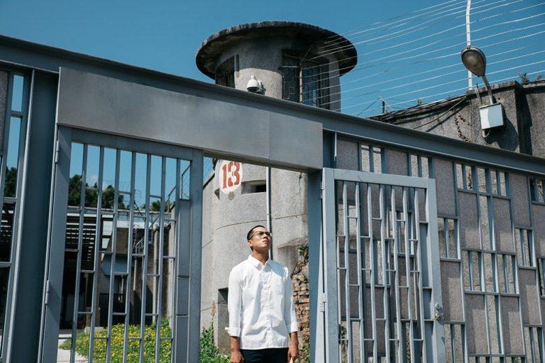 《噬罪者》劇照。主角王翔因案服刑,後因假釋出獄。 圖/公共電視
