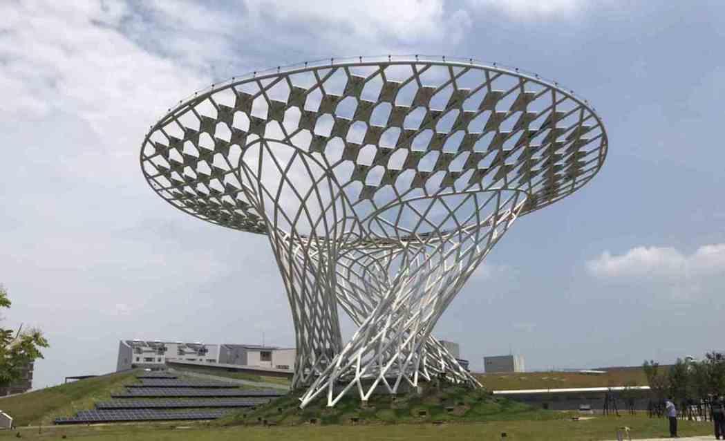 綠能產業為沙崙智慧綠能科學城發展目標之一,圖為近來爆紅的打卡景點太陽能樹。