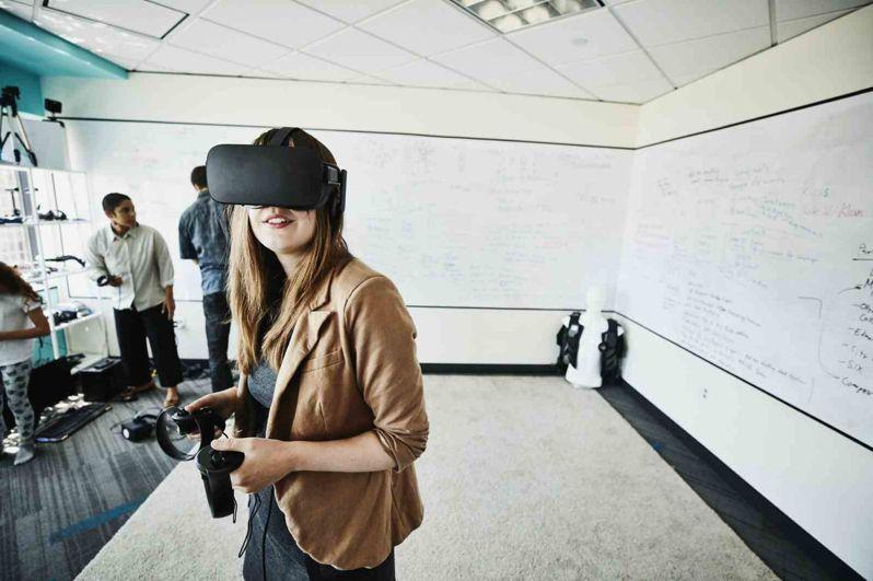 從虛擬實境到遊戲設計,科技成為幫助企業尋找人才軟實力的工具。 (Getty Images)