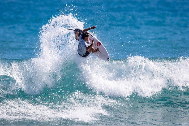 年年吸引國際好手爭相報名的臺灣國際衝浪公開賽,即便受到疫情影響,今年依然高規格舉辦。 攝影/Tim Hain