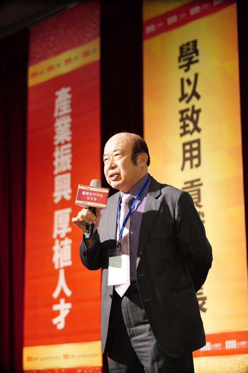 1111人力銀行總裁林文雄今(11)日親自出席「1111 產學合作平台」上線發表會。 圖/1111人力銀行提供