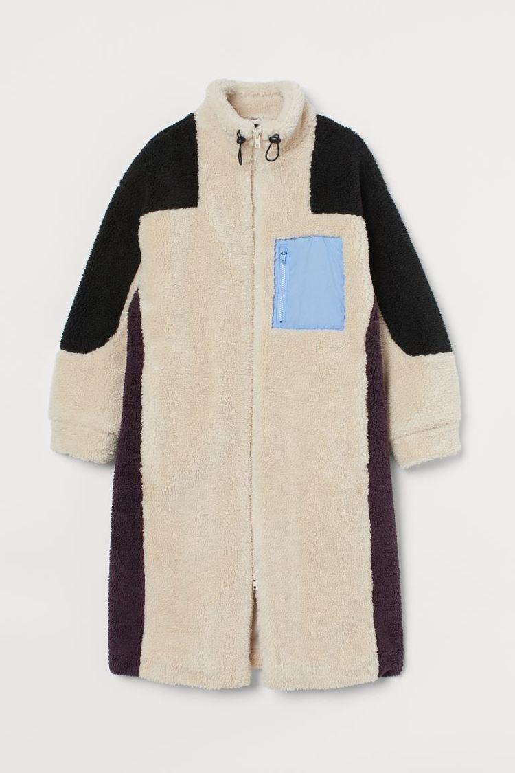 H&M DIVIDED亞洲時尚系列玩具總動員聯名長外套2,499元。圖/...