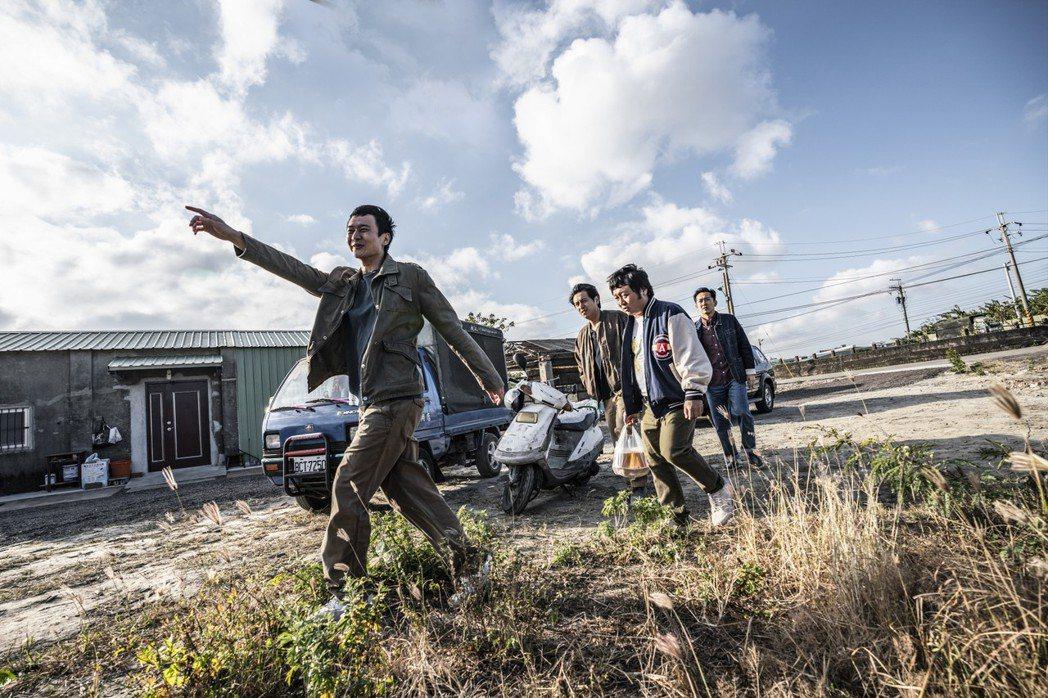 《同學麥娜絲》入圍本屆金馬獎最佳劇情長片、導演、男配角、改編劇本、攝影、美術設計...