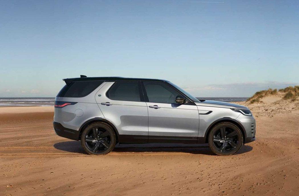 無論汽油還是柴油的六缸車型,皆搭載48V輕油電技術。 圖/Land Rover提...