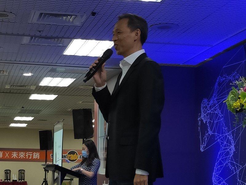 天下創新學院總監江逸之表示,企業數位轉型要從主管、組織改造開始。(Photo by 呂翔禾/台灣醒報)