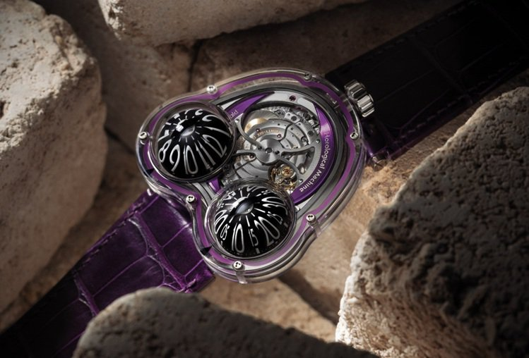 最早誕生於2011年的HM Frog腕表,以怪奇、強烈,富有金屬未來風格的科幻感...