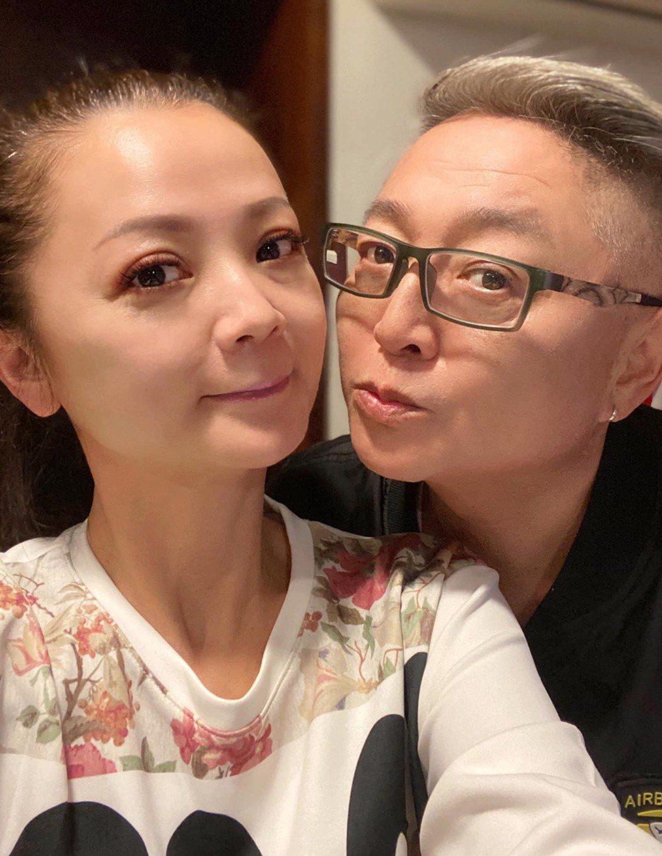 李國超(右)與高欣欣情牽18年,決定年底登記結婚。圖/摘自臉書