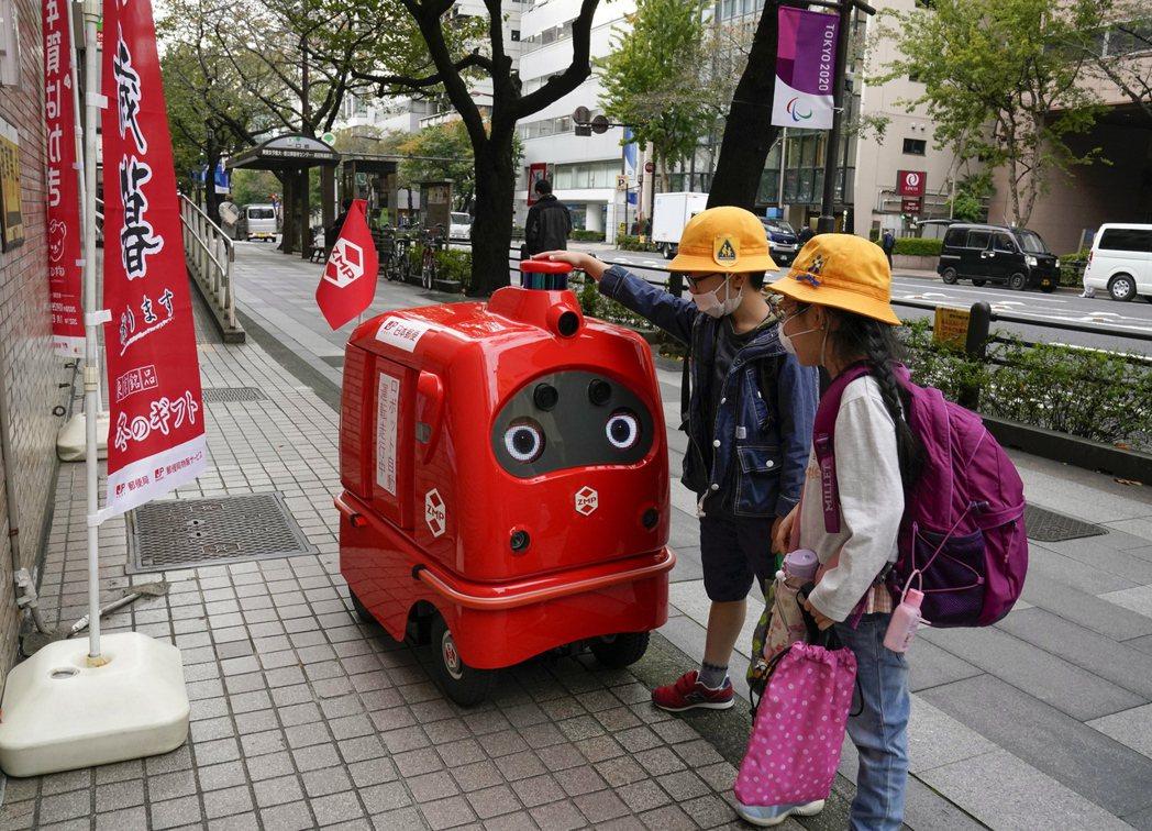 目前,以北海道為首的日本病例通報,正快速回到年初的危機高峰狀態,但菅義偉內閣持續...