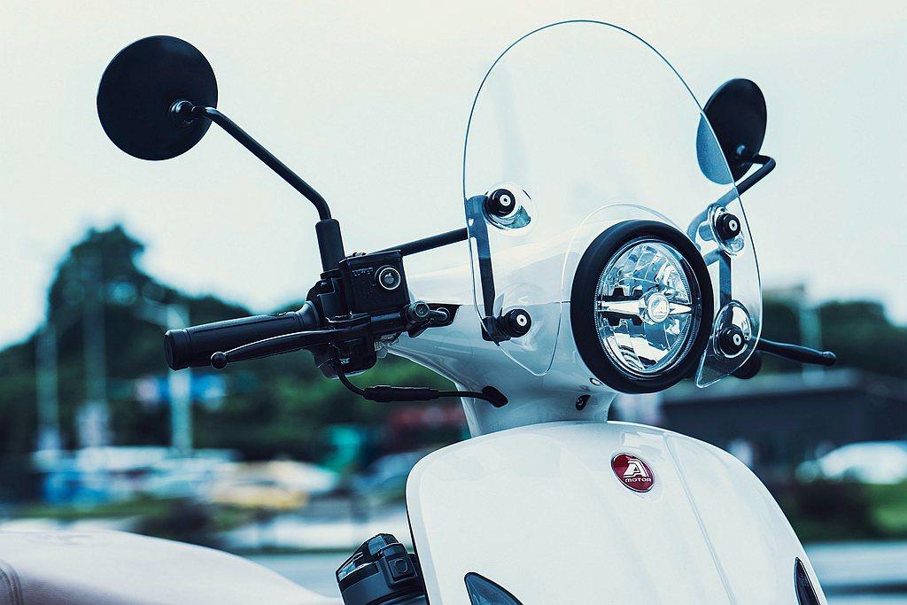 宏佳騰特別加碼贈送總價值超過5,000元的「潮流風鏡」與「造型保桿」,僅限量50...