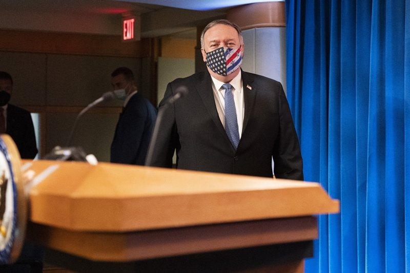 11月10日,蓬佩奧在國務院記者會回應記者,「將順利交接到川普政府第二任期」。 圖/美聯社
