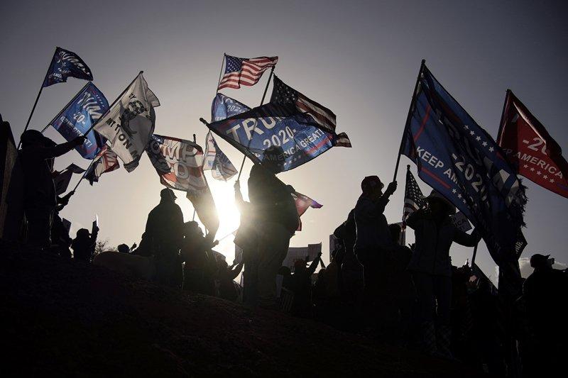 美國這場意識形態競爭空前激烈的大選,已經導致憲政危機。 圖/美聯社