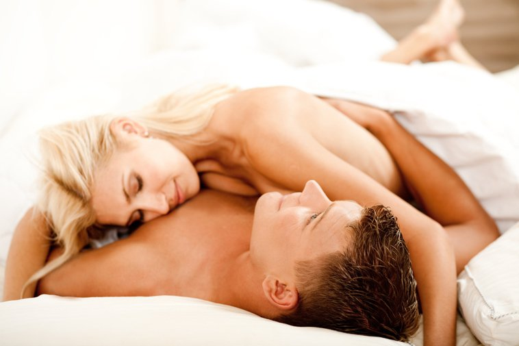 一般男性射完精後都會非常睏,但如果在女性高潮結束後抱抱她、勾著她、一起洗澡,或是...