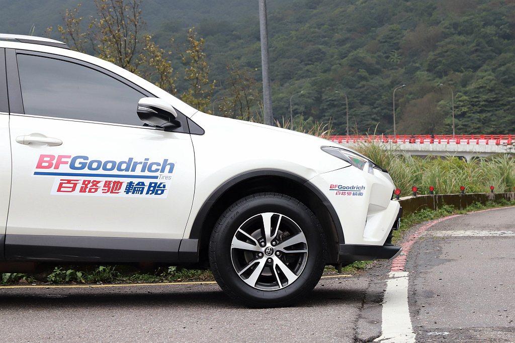 百路馳Advantage T/A SUV胎款具備Treadwear 400耐磨指...