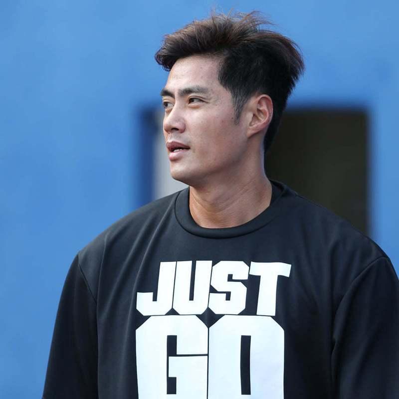 35歲的陳偉殷今年進入日職自由球員市場,日媒傳巨人、阪神虎、樂天三隊都將準心指向殷仔。 截圖自羅德官方粉絲團
