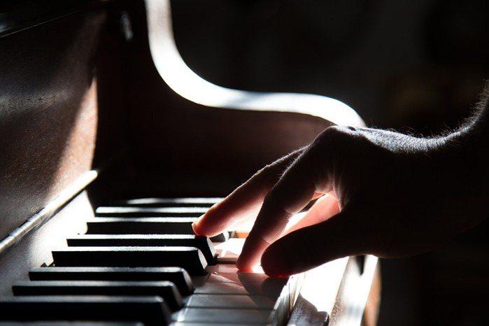 如果學音樂只教技巧,沒有知性樂趣、美學感動與倫理意義,學生要怎麼走出去,體會生態...