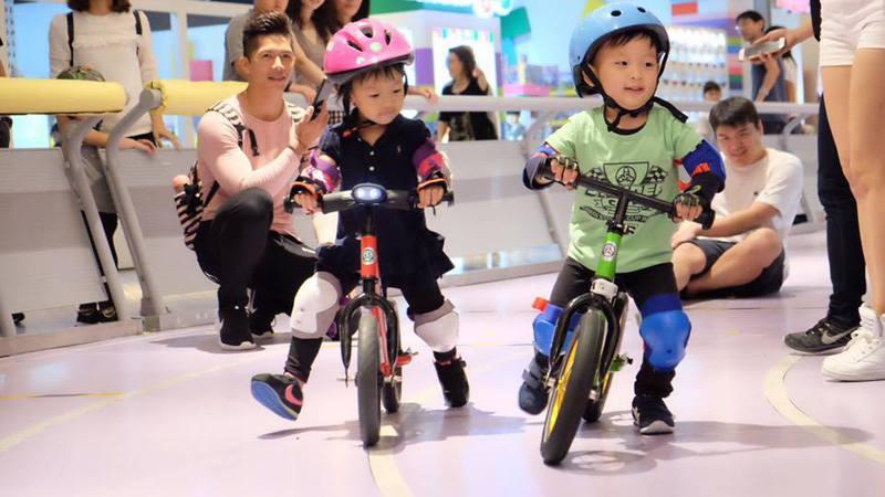 還有「小小騎士」設施,讓學齡前兒童享受騎腳踏車的樂趣。 圖/鈴鹿賽道樂園臉書粉專