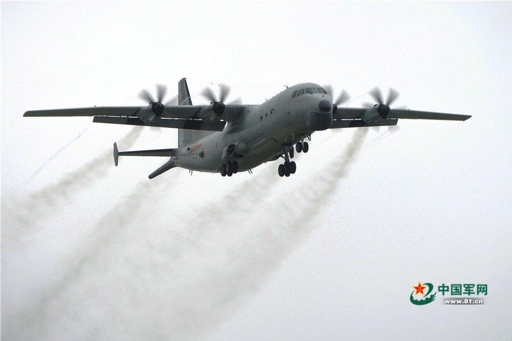 自國防部開始公布即時軍事動態後,進入我西南防空識別區的解放軍機中,數量最多的機型為高新六號的Y-8Q反潛機。 圖/中國軍網