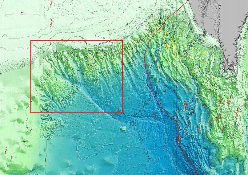 圖中紅框處為由南海經台灣灘南側進入台灣海峽的水下航道。 圖/作者提供