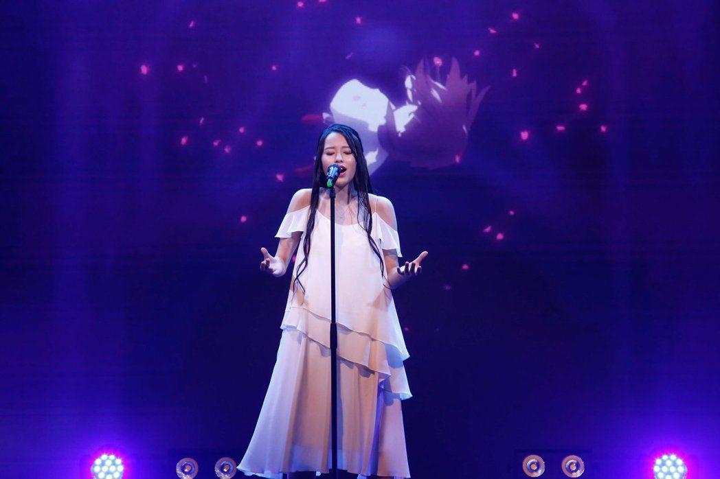 動畫主題曲由從全球選拔脫穎而出的冠軍高島一菜進行演唱/圖片截自Twitter@3...