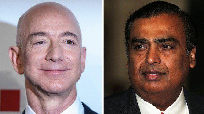 貝佐斯(Jeff Bezos)(左)和印度富豪安巴尼(Mukesh Ambani...
