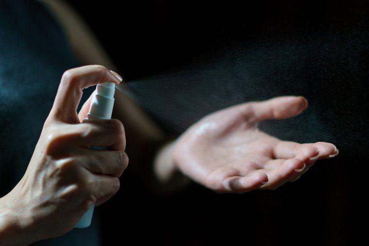 因應新冠肺炎疫情,特殊中毒事件爆增。示意圖/ingimage授權
