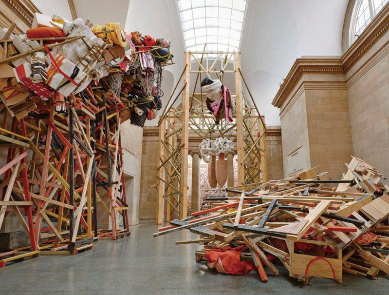 Phyllida Barlow   Installation view: dock, Duveen Galleries, Tate Britain, London, 2014  Courtesy: Hauser & Wirth   Photo: Alex Delfanne