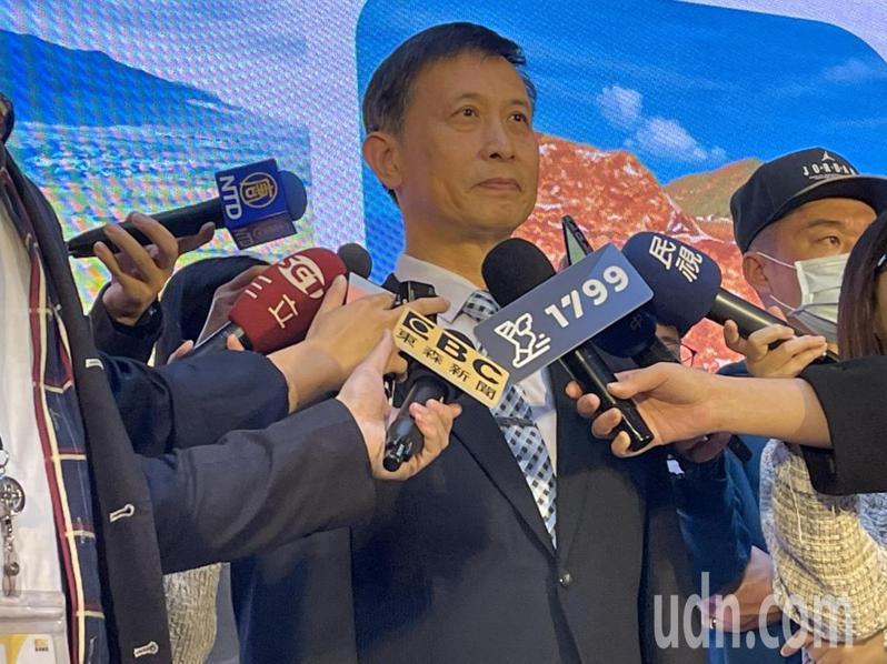 台鐵局副局長朱來順說明斷軌案懲處。記者曹悅華/攝影