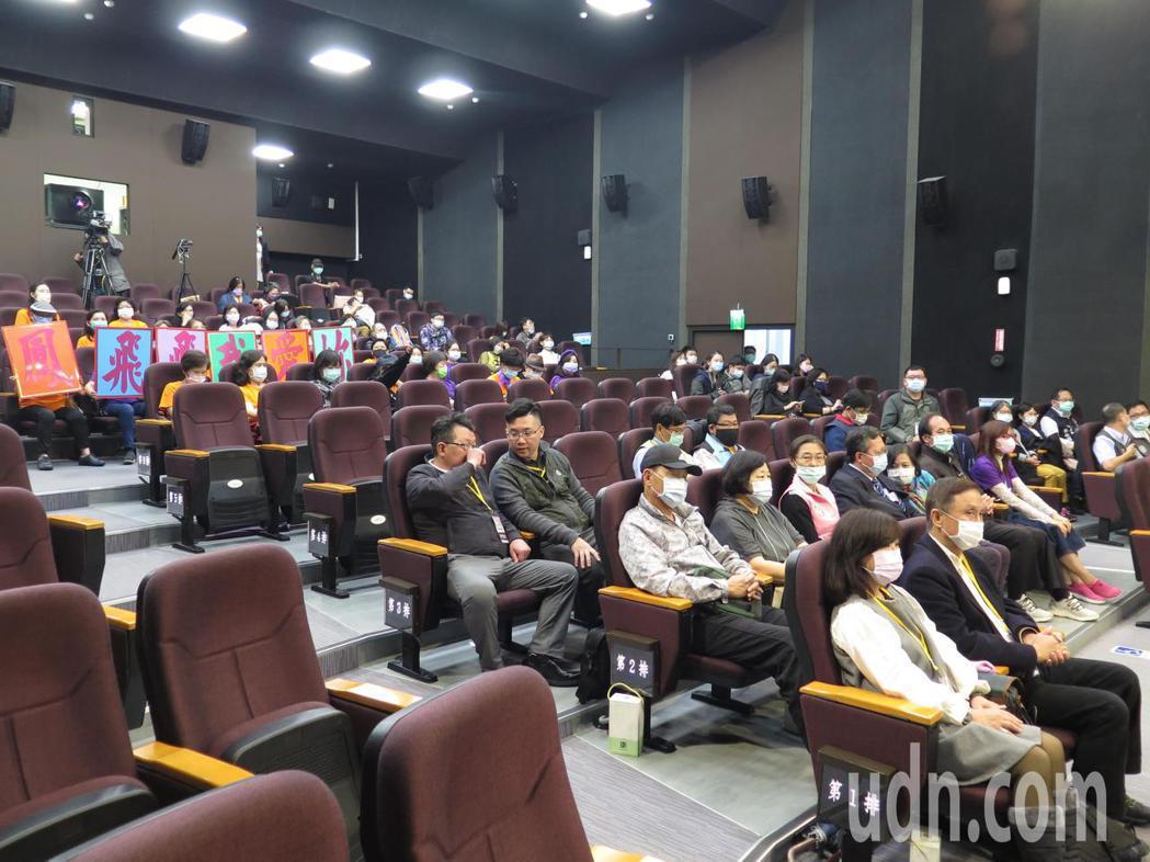 桃園市政府今天首映「大溪姑娘—國民天后鳳飛飛紀錄片」。記者張裕珍/攝影