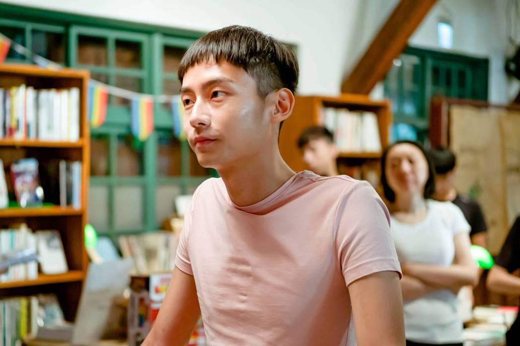 大鶴林鶴軒客串「不讀書俱樂部」。圖/双喜電影提供
