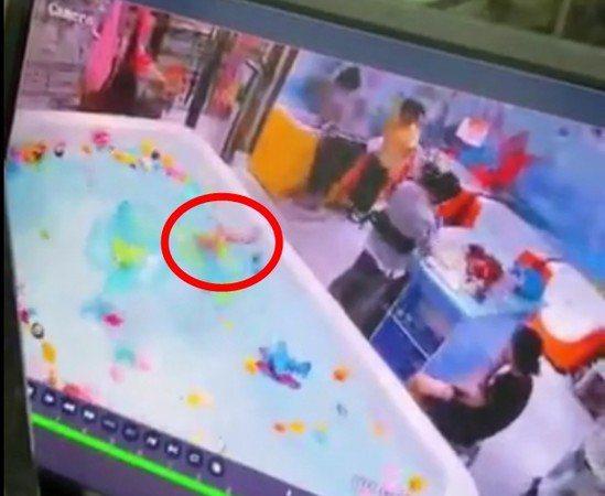 男嬰「倒頭栽」溺水近三分鐘,都無人發現。 圖/搜狐