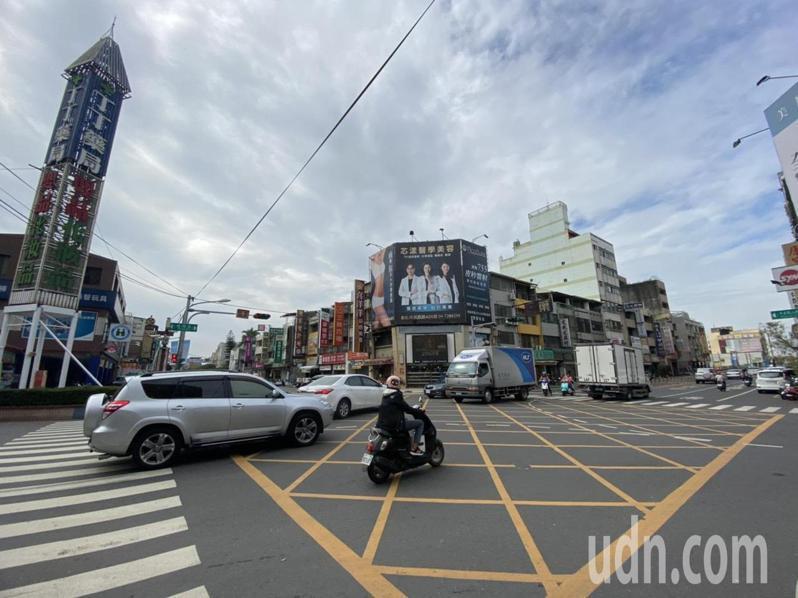 彰化市中正路3段與曉陽路口的車流量大,是全縣易肇事熱點第一名。記者劉明岩/攝影