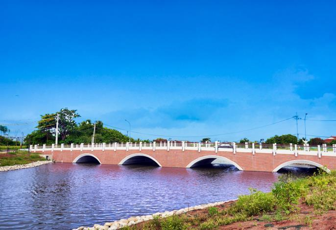 台南鹽水「古月橋」竣工,新增一處休閒景點。圖/台南市府提供