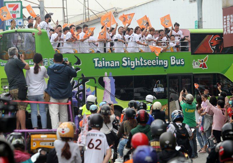 統一獅隊明年春訓場地除了原有的台南棒球場外,也增加國慶青埔棒球場作為第二場地。 聯合報系資料照