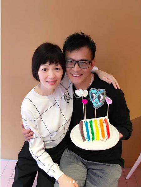 黃日華和老婆梁潔華非常恩愛。圖/摘自IG