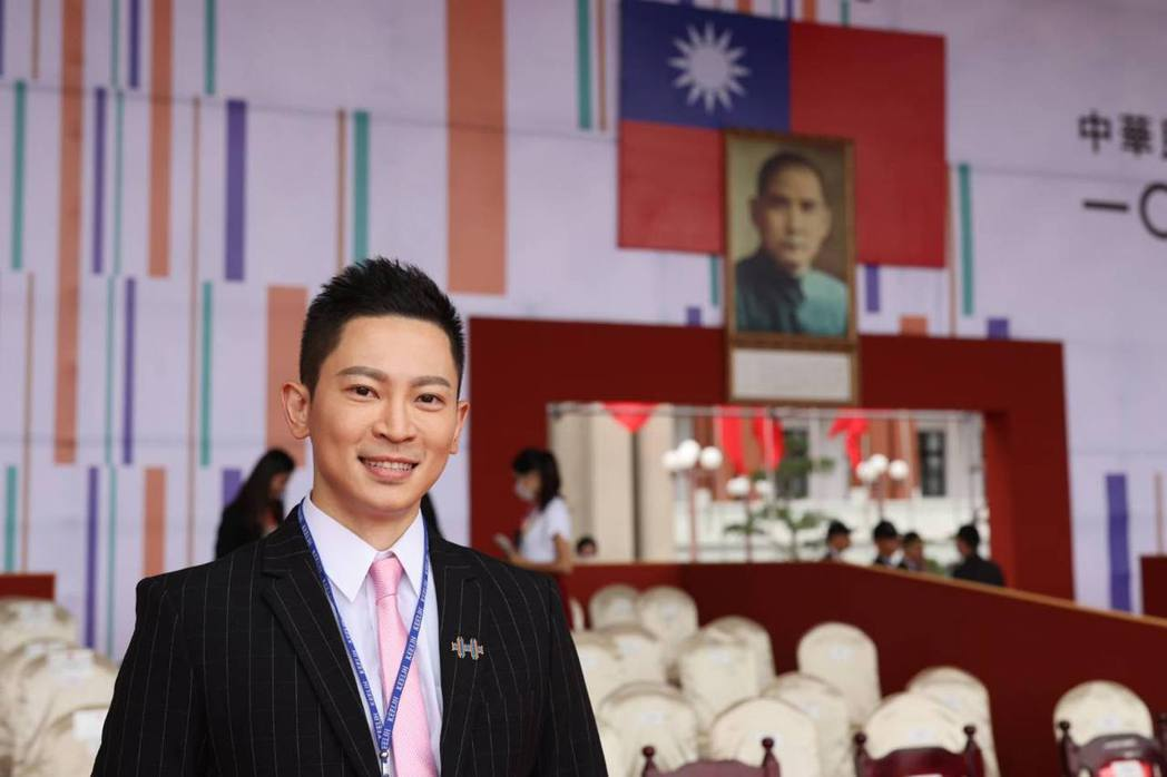 王顯瑜主持國慶典禮一戰成名。圖/摘自臉書