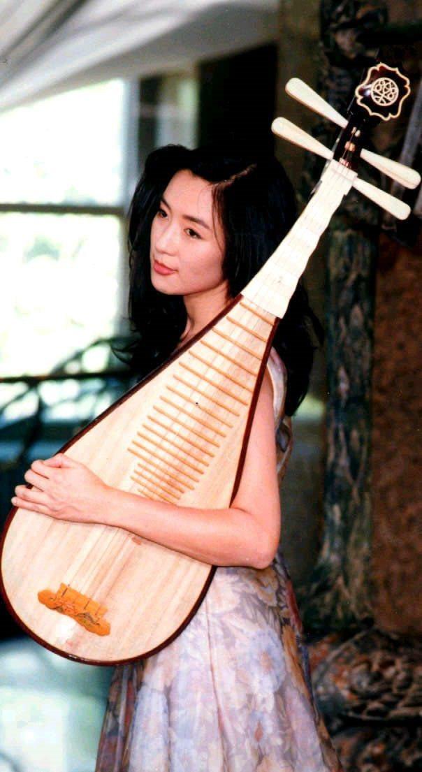 呂秀齡當年是參加五燈獎琵琶彈奏比賽,而被相中踏入演藝圈。 圖/聯合報系資料照