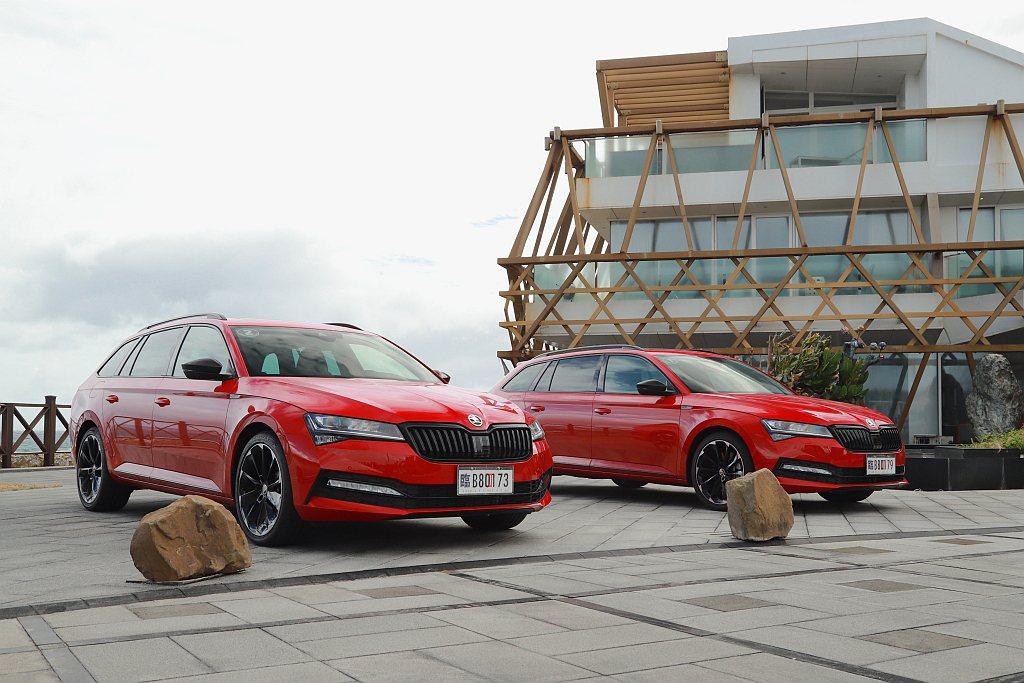 小改款SKODA Superb雖然稍微遲到,但恰好趕上原廠針對新年式車型的配備微...
