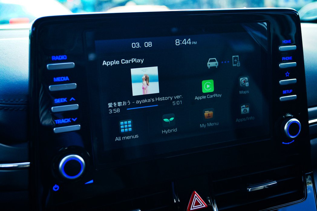 車機沒有中文化,雖然都是淺顯易懂的英文,但總是少了點親切感。 記者趙駿宏/攝影