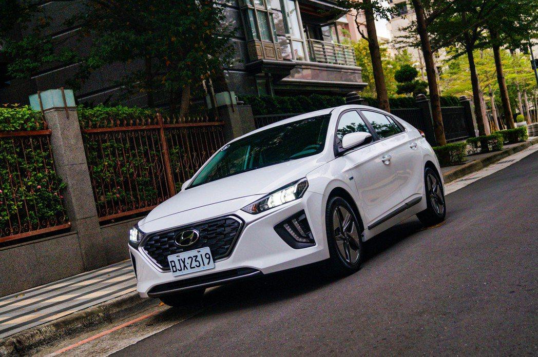 小改後的Hyundai IONIQ Hybrid配備更加完善。 記者趙駿宏/攝影
