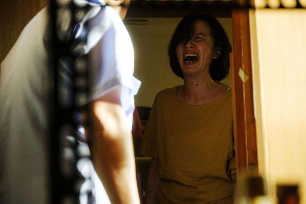 黃采儀「親愛的殺手」身兼表演指導又演出重度躁鬱患者。圖/威視提供